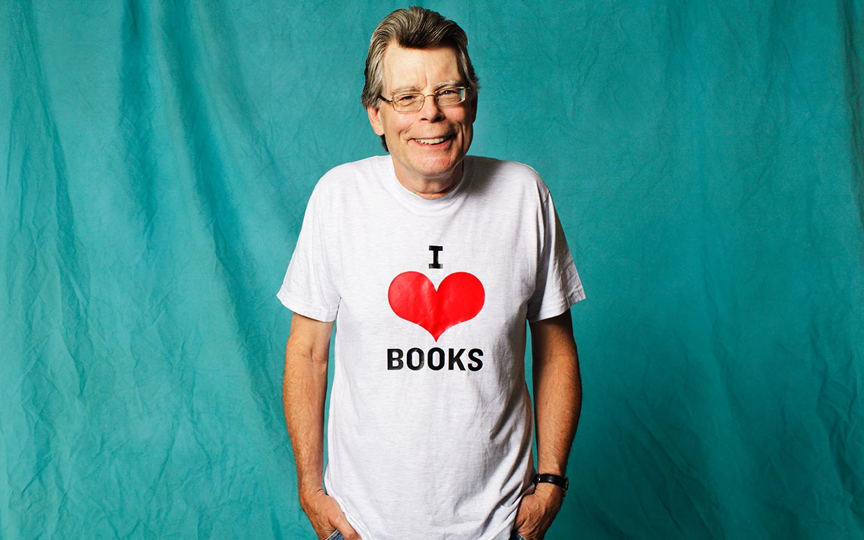 https://bookpeopleblog.files.wordpress.com/2013/09/stephen-king.jpg